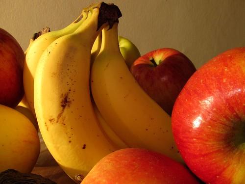 一緒に保管してはいけない野菜や果物とは?