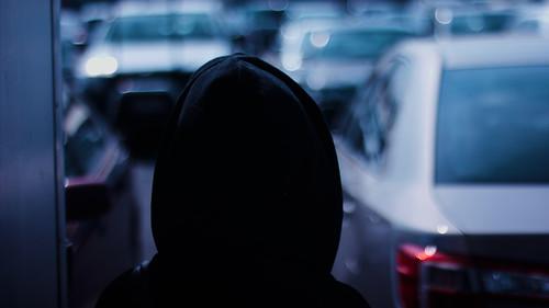 連続犯罪者は意外と近くに潜んでいるかもしれない――「円仮説」とは?