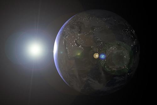 地球を取り巻く「スペースデブリ」の脅威とは?