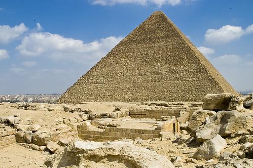盗まれた遺跡――ピラミッドの頂上はどこへ消えたのか?