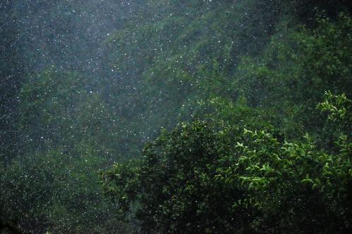 気象を操る――人工降雨技術と気象兵器