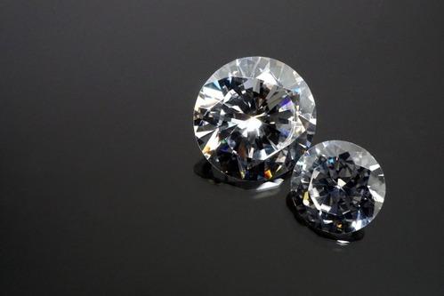 偽りのダイヤモンド「キュービックジルコニア」とは?