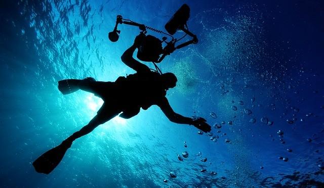 15mの潜水はマティーニ1杯に相当する――窒素酔いとマティーニの法則とは?