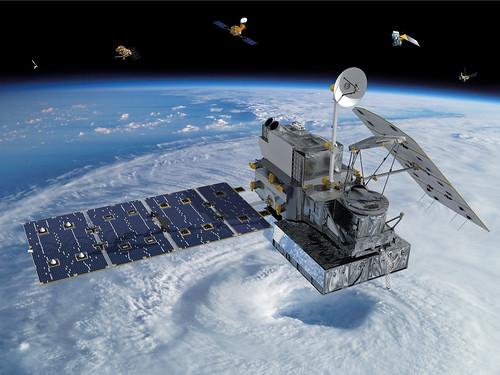 人工衛星同士の衝突を回避、混雑する衛星軌道