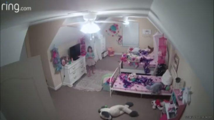 「サンタだよ」――何者かがウェブカメラに侵入して8歳の女の子に話しかける事件が発生