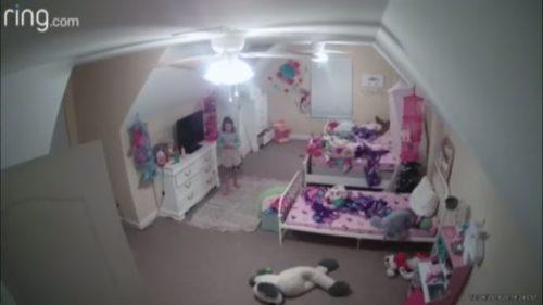 「サンタだよ」――何者かがウェブカメラのシステムに侵入して8歳の女の子に話しかける事件が発生