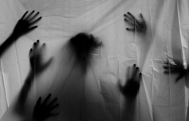 """人は""""夢の中""""で恐怖の反応をトレーニングする、ジュネーヴ大学の研究"""