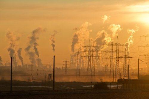 大気汚染により世界の平均寿命は3年短縮
