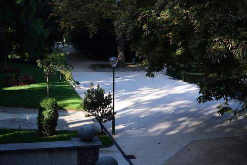 ロックダウン中のパリでピッキングの達人が次々と閉鎖された公園を開放