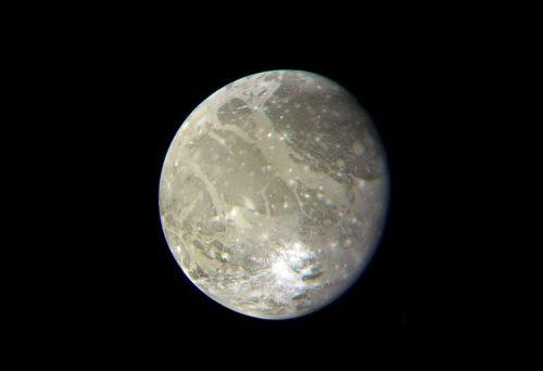 衛星ガニメデにある謎の模様、実は太陽系最大の巨大クレーター